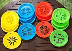 paper plate holders   New 16 Paper Plate Holders Colorful Plastic Lot Picnic   eBay & Vintage Plastic Paper Plate Holders   Pinterest   Plate holder ...