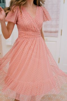 A combination of delicate pink tulle and playful polka dots make the Zelda dress feel both cheerful and romantic. Here's how I'm styling the perfect holiday dress this season! Club Dresses, Sexy Dresses, Short Sleeve Dresses, Party Dresses, Evening Dresses, Dress Party, Formal Dresses, Tube Dress, Dress Up