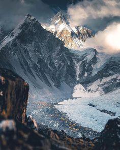 Fading light at Mount Everest Nepal Travel Destinations Mount Everest Base Camp, Everest Base Camp Trek, Camping Places, Places To Travel, Camping Cabins, Travel Destinations, Machu Picchu, Monte Everest, Nepal Trekking
