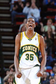 2cf57bd9e98b Já pensou se Kevin Durant decidisse sair do Thunder e ir pro Seattle  Supersonics