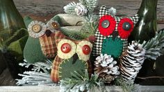 Primitive HOOT OWL bowl fillers, shelfsitters, wool & buttons #NaivePrimitive #Artist Primitive Pillows, Christmas Wreaths, Christmas Ornaments, Bowl Fillers, Buttons, Wool, Holiday Decor, Artist, Christmas Jewelry