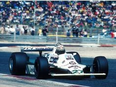 Alan Jones on his way to winning the 1980 French Grand Prix at Paul Ricard for Williams-Ford