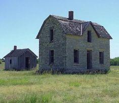 Abandoned Farm Houses in Kansas - Bing images Abandoned Farm Houses, Old Abandoned Buildings, Old Farm Houses, Old Buildings, Abandoned Places, Old Mansions, Abandoned Mansions, Stone Houses, Old Barns