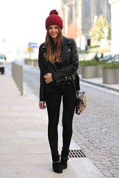 trendy_taste-look-outfit-street_style-fashion_spain-moda_españa-AW13-black_jeans-vaqueros_negros-leather_jacket-chaqueta_cuero-vince_camuto-black_booties-leo_handbag-bolso_leopardo-springfield-black_top-top_negro-burgundy_beanie-gorro_granate-polaroid-9 by Trendy Taste, via Flickr