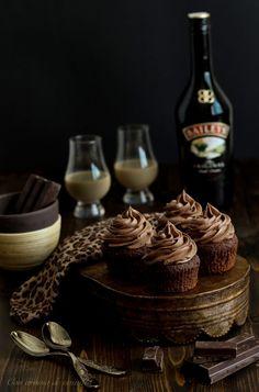 Cupcakes de chocolate y Baileys