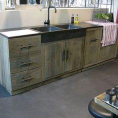 la cuisine en bois massif en beaucoup de photos design murs de briques et cuisine en briques. Black Bedroom Furniture Sets. Home Design Ideas