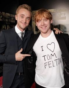 Awesome ^^ (especially when you know Tom himself wrote that on Rupert's shirt !)