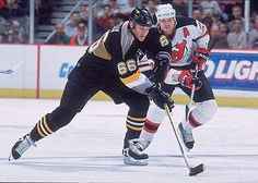 Mario Lemieux: my idol! Ice Hockey Players, Nhl Players, Pittsburgh Sports, Pittsburgh Penguins Hockey, Mike Bossy, Pens Hockey, Mario Lemieux, Hockey World Cup, Bobby Orr