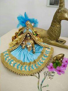 Krishna Hindu, Bal Krishna, Cute Krishna, Radha Krishna Pictures, Radha Krishna Photo, Krishna Photos, Krishna Images, Radhe Krishna, Lord Krishna