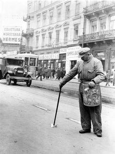 Bucuresti, B-dul Regina Elisabeta, interbelic Bucharest Romania, Old City, Timeline Photos, Memories, Black And White, Country, Times, Architecture, Sweet