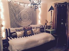 Chic teen bedroom. Black and white with gold accents.  #BlackAndWhiteDecor #BedroomDesign
