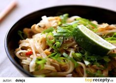 Kuřecí Pad Thai recept - TopRecepty.cz Chicken, Meat, Ethnic Recipes, Food, Asia, Essen, Meals, Yemek, Eten