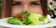 Zbavte se nehtové mykózy jednou pro vždy pomocí přírodních prostředků • Styl / inStory.cz Cabbage, Vegetables, Food, Essen, Cabbages, Vegetable Recipes, Meals, Yemek, Brussels Sprouts