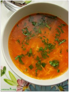 Noodle soup recipe Easy soup recipes Tomato noodle soup Ş … - Suppe Simple Noodle Soup Recipe, Easy Soup Recipes, Turkish Recipes, Ethnic Recipes, Turkish Kitchen, Garlic Noodles, Curry, Easy Meals, Food And Drink