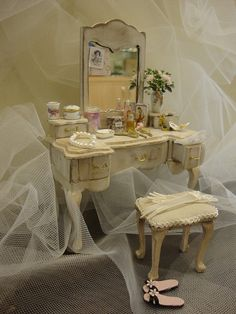 dollhouse miniature vanity table. with by bagusitalyminiatures