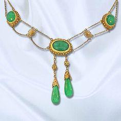 Chinese jadeite negligee necklace.