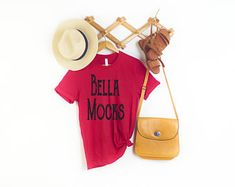 each week new sytlish mockups by Bellamocks on Etsy News Design, Marketing And Advertising, Etsy Seller, Trending Outfits, Handmade, Hand Made, Handarbeit