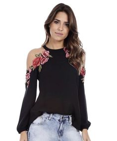 Blusa crepe shoulder flowers🌹 🔶R$169,00 🔶Tam P(38) M(40) G(42) ▶️Compre online WWW.SIBELLEMODAS.COM.BR ▶️Aceitamos todos os cartões de… Love Fashion, Girl Fashion, Womens Fashion, Hijab Fashion, Fashion Outfits, Cool Outfits, Casual Outfits, Blouse Styles, Indian Outfits