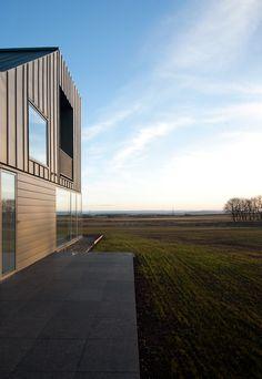 Zinc-House, Angus. LJR+H & Graeme Hutton