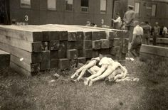 Jassy, Rumania, The corpses of Jews, next to a train, 03/07/1941.