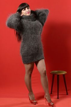 New Gray Hand knitted Turtleneck Sweater Natural goat down cashmere Unisex S-M Fluffy Sweater, Angora Sweater, Sweater Dress Outfit, Sweater Dresses, Gros Pull Mohair, Knitwear Fashion, Sexy Stockings, Girls Night Out, Red Sweaters