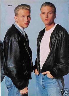 Matt and Luke Goss-cute twin blondes Matt Goss, The Boogie, Pin Up Posters, Cute Twins, Star Wars, Family Affair, Post Punk, Couples In Love, Boy Bands