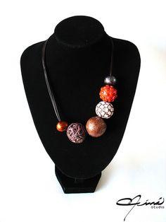 CT con logo marrón   Flickr - Photo Sharing! #Collar #Necklace #beads #cuentas #polymerclay #arcillapolimérica #red #rojo #brown #marrón #negro #black #designersvenezuela #DiseñoVenezolano #VenezuelanDesign #handmade #hechoamano