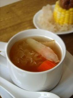 White fungus and yu zhu soup (银耳玉竹清润汤)