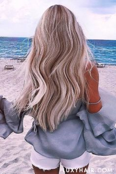 @selingga is rocking her Ash Blonde @luxyhair extensions for length and fullness in her hair lovin' the beach vibe!