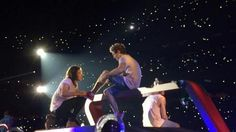 Harry Styles and Niall Horan...Cinderella??