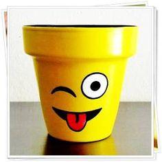 Macetas Para Cactus Pintadas A Mano - $ 65,00 Flower Pot Art, Flower Pot Design, Clay Flower Pots, Flower Pot Crafts, Clay Pots, Flower Pot People, Clay Pot People, Clay Pot Projects, Clay Pot Crafts