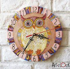 Owl clock.