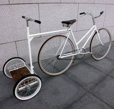 Turn your bicycle into a 3 wheel tricycle.Ideal for kids with special needs or balance problems. Velo Design, Bicycle Design, Design Logo, Design Poster, Cool Bicycles, Cool Bikes, Pimp Your Bike, Range Velo, Velo Cargo