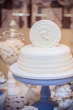 O batizado do Caê   Macetes de Mãe Verse, Cake, Confirmation, First Holy Communion, Decorating Tips, Cakes, Fiestas, Christening, Fotografia