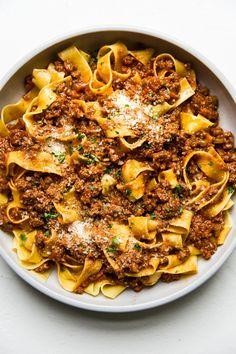Pasta Recipes Video, Pasta Sauce Recipes, Pasta Dinner Recipes, Pasta Menu, Recipe Pasta, Recipes With Pasta, Pasta Recipies, Pasta Sauces, Vegetarian Pasta Recipes