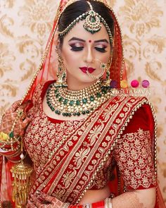Beautiful bridal makeover For any details Dm us Shweta Gaur Makeup Artist A Indian Bridal Photos, Indian Bridal Outfits, Indian Bridal Fashion, Indian Bridal Wear, Indian Dresses, Indian Wedding Makeup, Indian Wedding Bride, Indian Makeup, Bridal Makeover