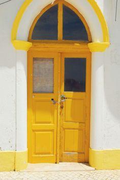 Nazaré, Portugal Cool Doors, Unique Doors, Stairs And Doors, Windows And Doors, Door Knockers, Door Knobs, Behind The Green Door, Door Bench, Door Picture