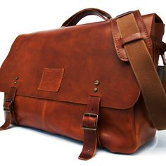 Aire Leather Messenger Bag