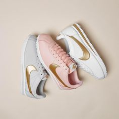 OFFICE sur Instagram : So cute, it comes in three colours! and we want all of them #Shop @nike Classic Cortez in light bone, white metallic and artic orange…