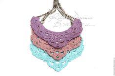 Купить Колье из льна вязаные ажурные три цвета фиолетовый розовый голубой лен
