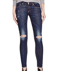 Rag & Bone / Jean Skinny Distressed Skinny Jeans NWT Rag & Bone / Jean Skinny Distressed Skinny Jeans Look incredible  rag & bone Jeans Skinny