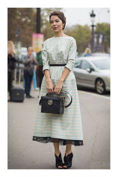Ulyana Sergeenko: Feminine and Quirky Street Style – Glam Radar Modest Fashion, Hijab Fashion, Trendy Fashion, Fashion Looks, Fashion Outfits, Womens Fashion, Vintage Outfits, Classy Outfits, Vintage Dresses
