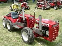 Has anyone done a homemade hydrolic lift if so what parts did you use? Been looking for a used one but I am not as rich as other. Chevy Trucks Older, Lifted Chevy Trucks, Lifted Ford, Pickup Trucks, Antique Tractors, Vintage Tractors, Small Tractors, Lawn Tractors, Simplicity Tractors