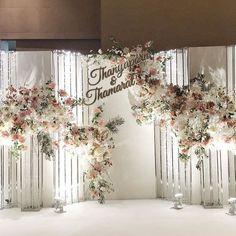 Backdrop decoration ฉากถ่ายภาพจากงาน Wedding fair ที่จัดขึ้นของเรา :) ลูกค้าถูกใจ เรายิ่งดีใจ #weddingfair #wedding #backdrop #decor #flowers #ceremony #reception #fleurbyrainfotest #fleur #happy #bride #groom #november