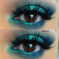 Los ojos del día