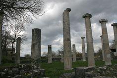 In Molise, nel Sannio al confine con la provincia di Benevento, c'è un sito archeologico praticamente sconosciuto. È la città romana di Sepino Altilia.