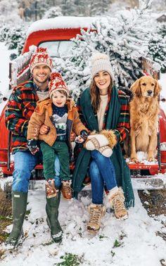 Christmas Tree Farm, Cozy Christmas, Family Christmas, Christmas Time, Rustic Christmas, Christmas Ideas, Christmas Decorations, Xmas, Sarah Vickers