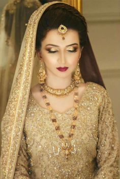 Pakistani Bride Pakistani Bridal Makeup, Bridal Mehndi Dresses, Walima Dress, Pakistani Wedding Dresses, Bridal Outfits, Indian Bridal, Bridal Looks, Bridal Style, Pakistan Bride
