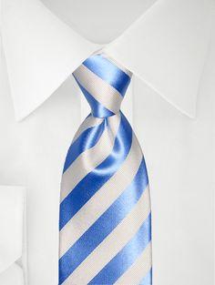 Blau weiß gestreifte Krawatte