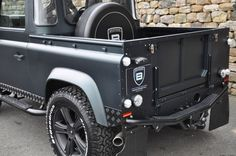 Click here to view larger image 15 of this Land Rover Defender